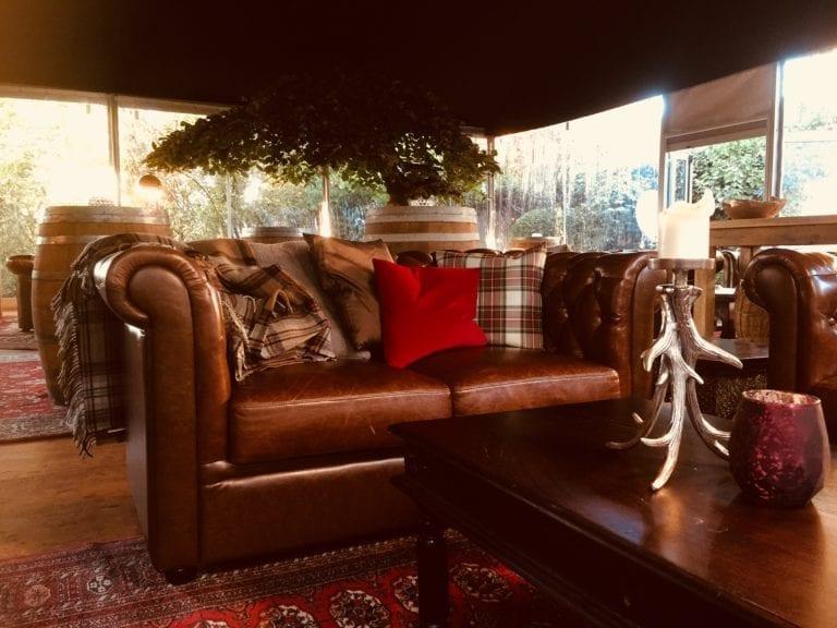 chesty lounge-tisch mieten rent-a-lounge 1