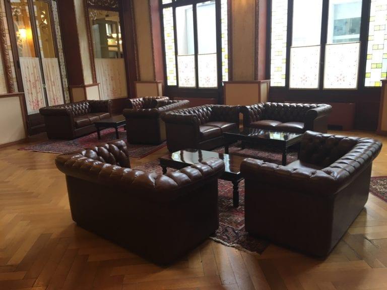 chesty lounge-tisch mieten rent-a-lounge 2
