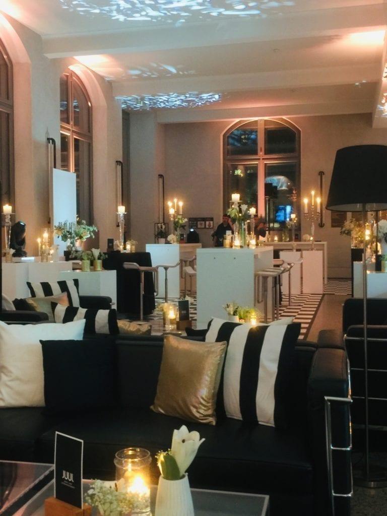classic 2er sofa mieten rent-a-lounge 1