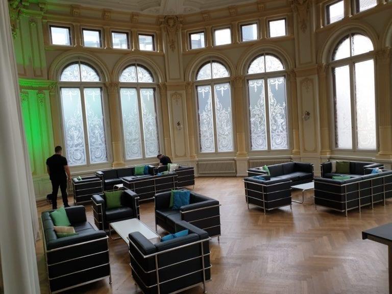 classic 2er sofa mieten rent-a-lounge 4