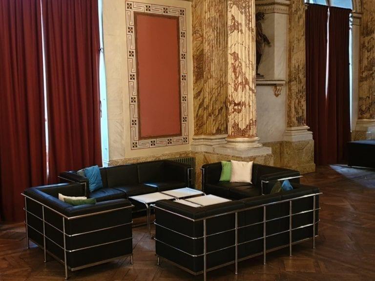 classic 2er sofa mieten rent-a-lounge 5