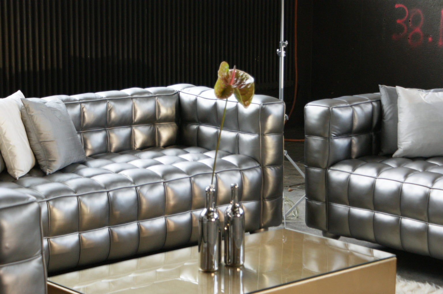 Glamour 2er Sofa mieten rent-a-lounge 1