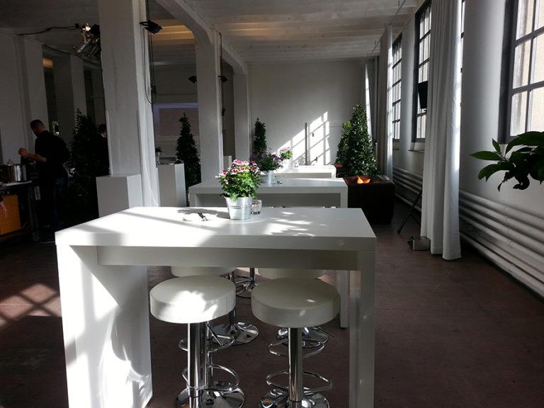 Hochtisch White mieten rent-a-lounge 11