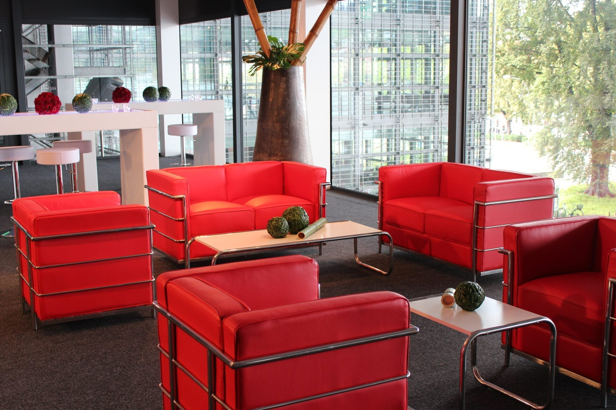 red 2er sofa mieten rent-a-lounge 1