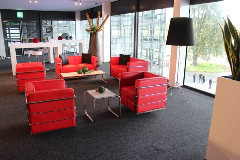 red sessel mieten rent-a-lounge 4