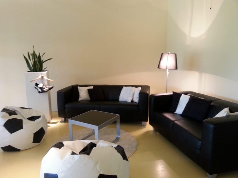 business lounge-tisch mieten rent-a-lounge 2