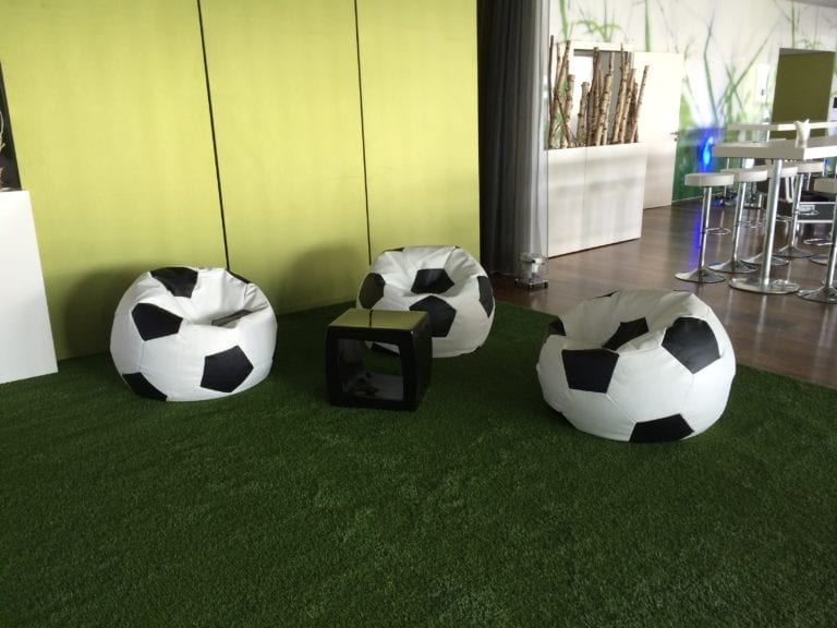 fussball pillow mieten rent-a-lounge 3