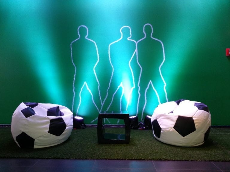 fussball pillow mieten rent-a-lounge 4