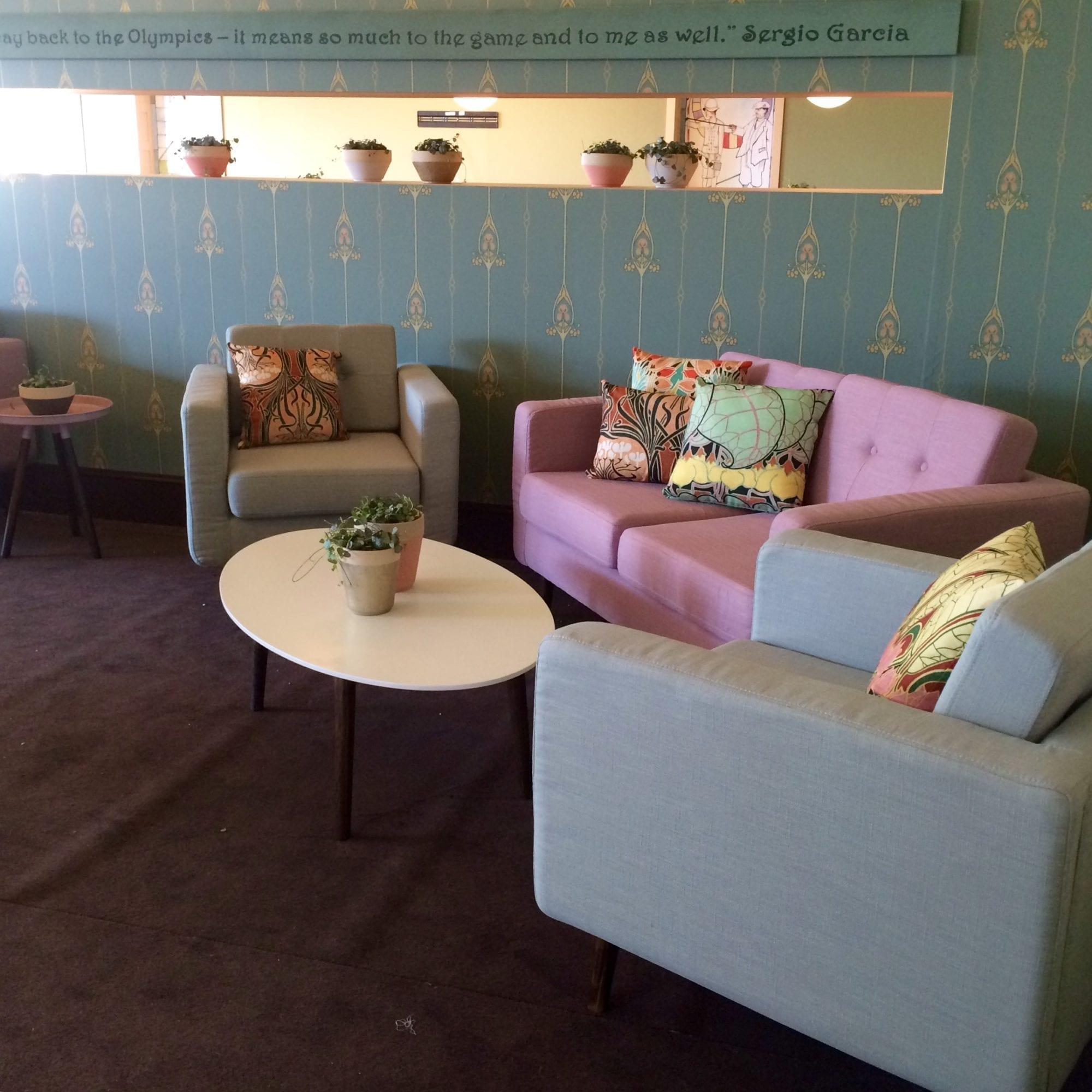grease sofa mieten rent-a-lounge 1