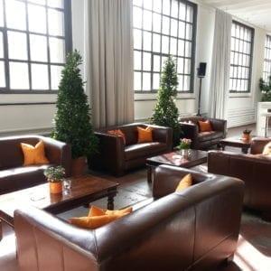 maroon sessel mieten rent-a-lounge