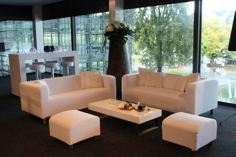 white lounge-tisch mieten rent-a-lounge 1