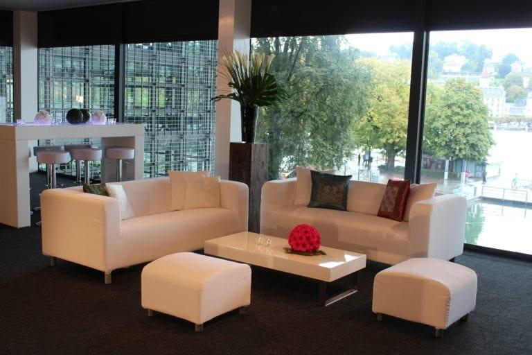 white lounge-tisch mieten rent-a-lounge 2