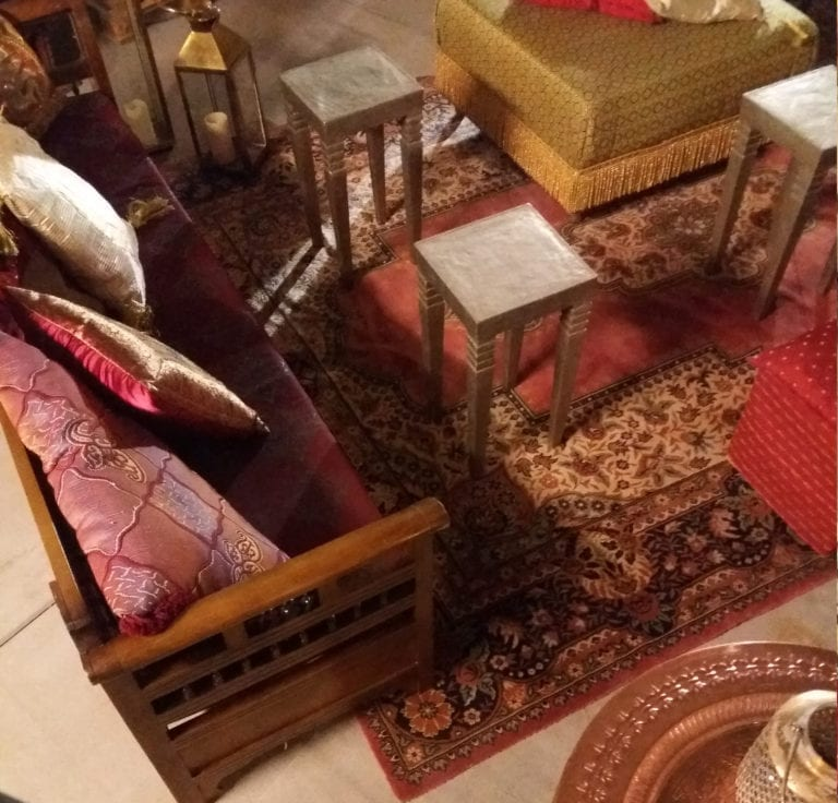beistell-tisch india gold mieten rent-a-lounge 1