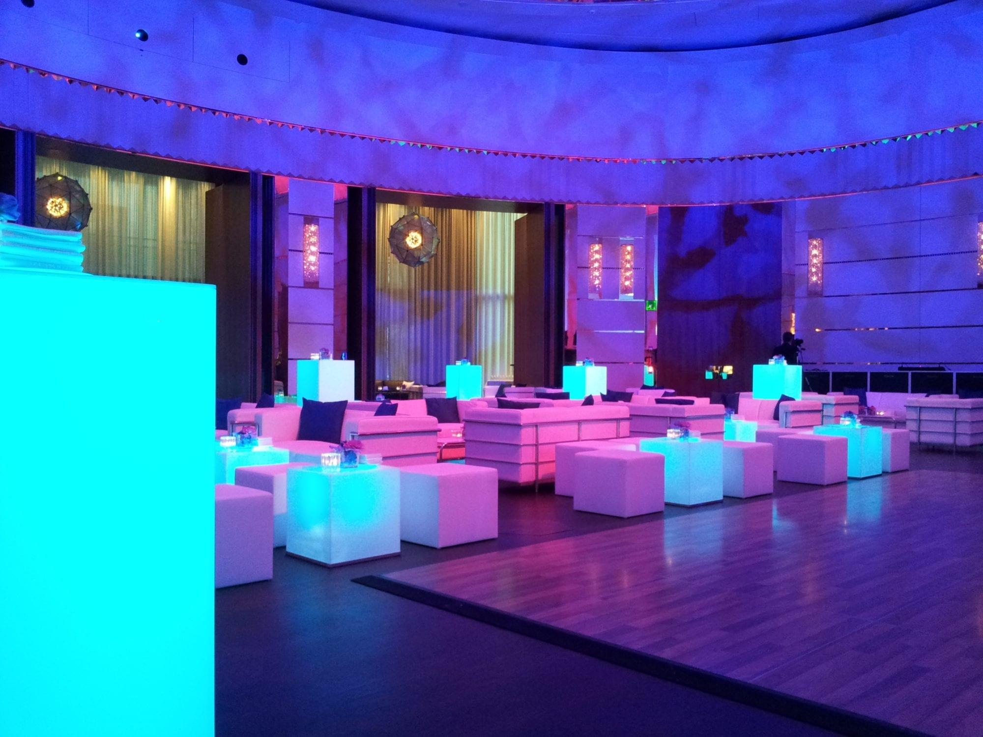 beistell-tisch LED mieten rent-a-lounge 10