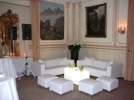 beistell-tisch LED mieten rent-a-lounge 4