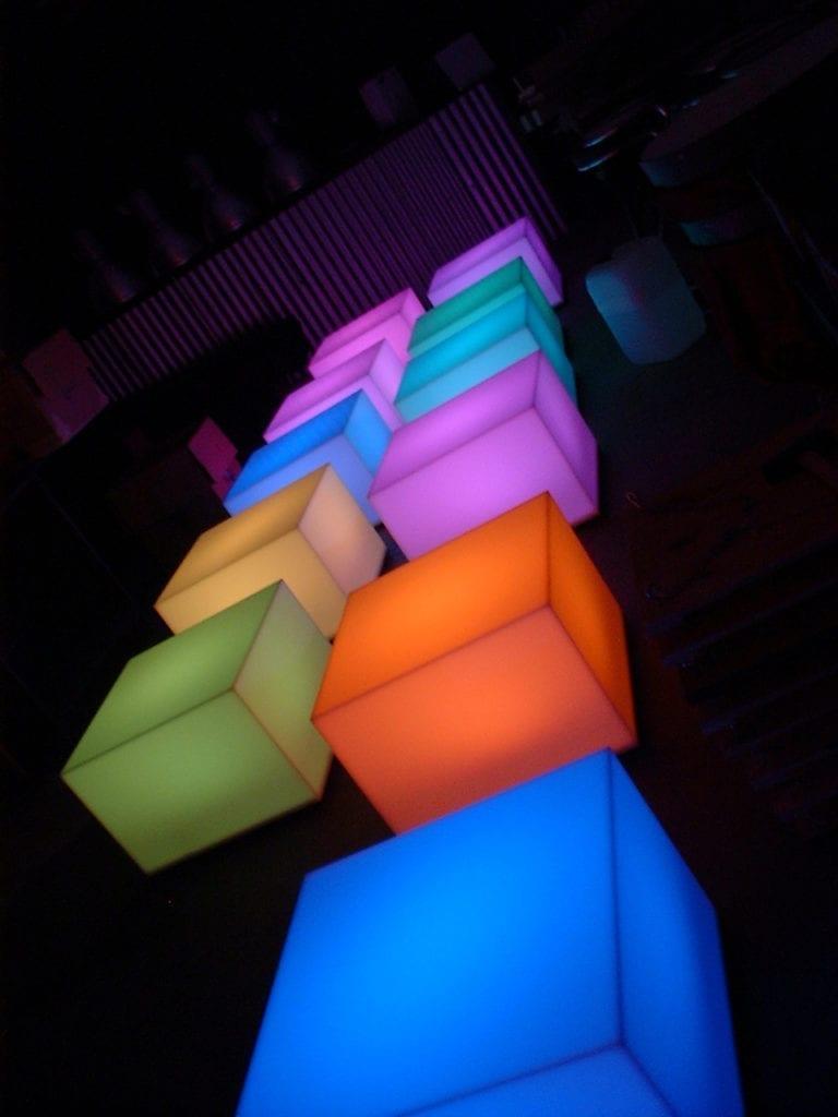 beistell-tisch LED gross mieten rent-a-lounge