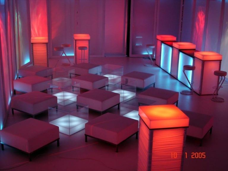 beistell-tisch visual cube mieten rent-a-lounge 1