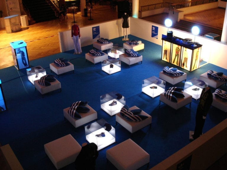 beistell-tisch visual cube mieten rent-a-lounge 2