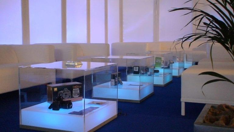 beistell-tisch visual cube mieten rent-a-lounge 3