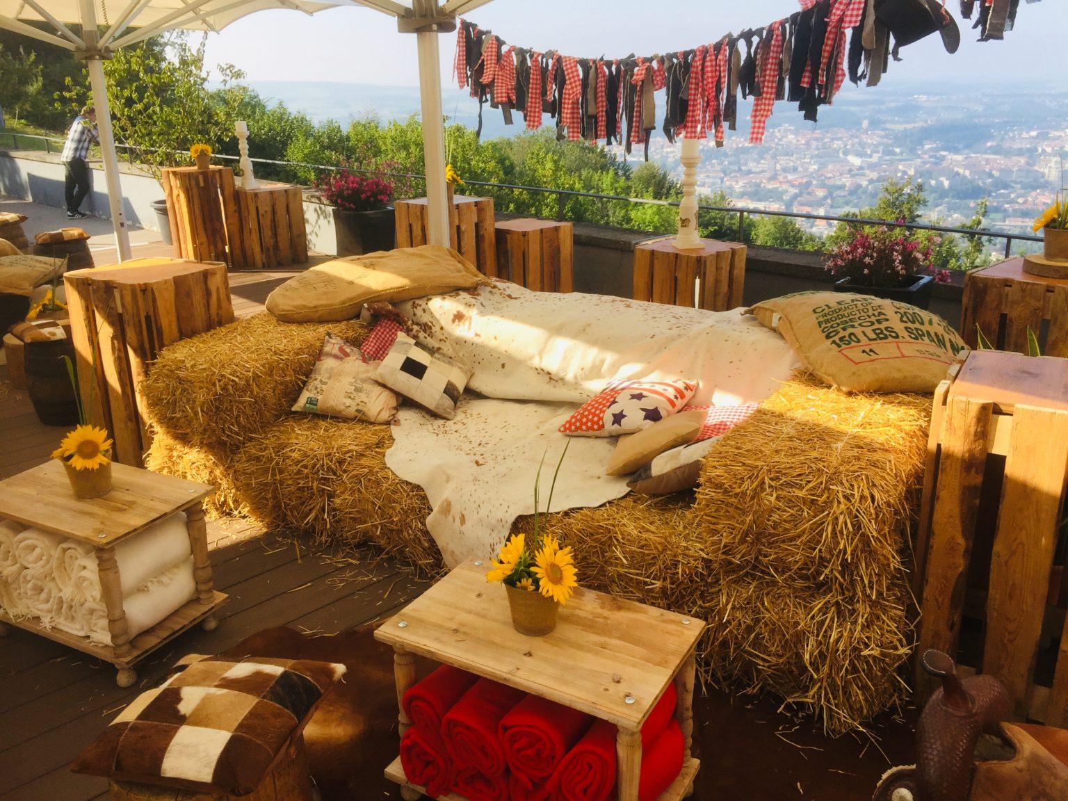 beistell-tisch woody mieten rent-a-lounge 10