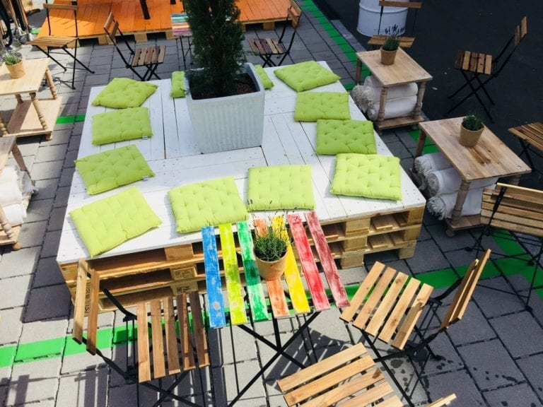 bistrotisch akazie mieten rent-a-lounge 1