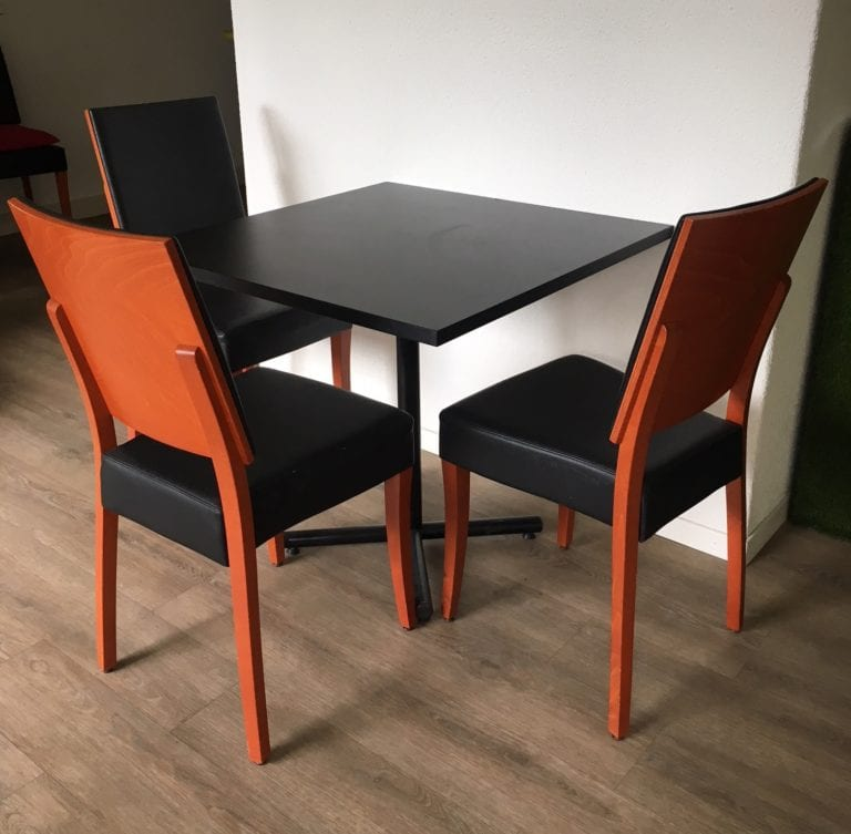 bistrotisch black mieten rent-a-lounge 1