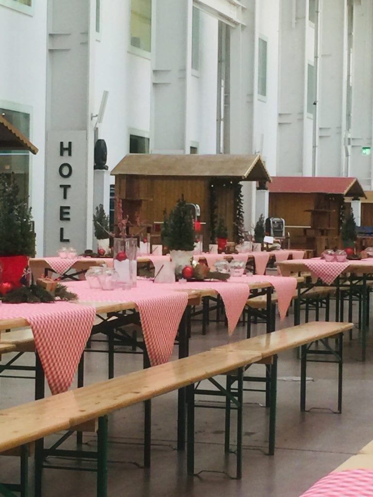 Festbank Tisch mieten rent-a-lounge 3