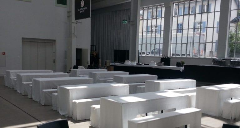 Festbank Tisch mieten rent-a-lounge
