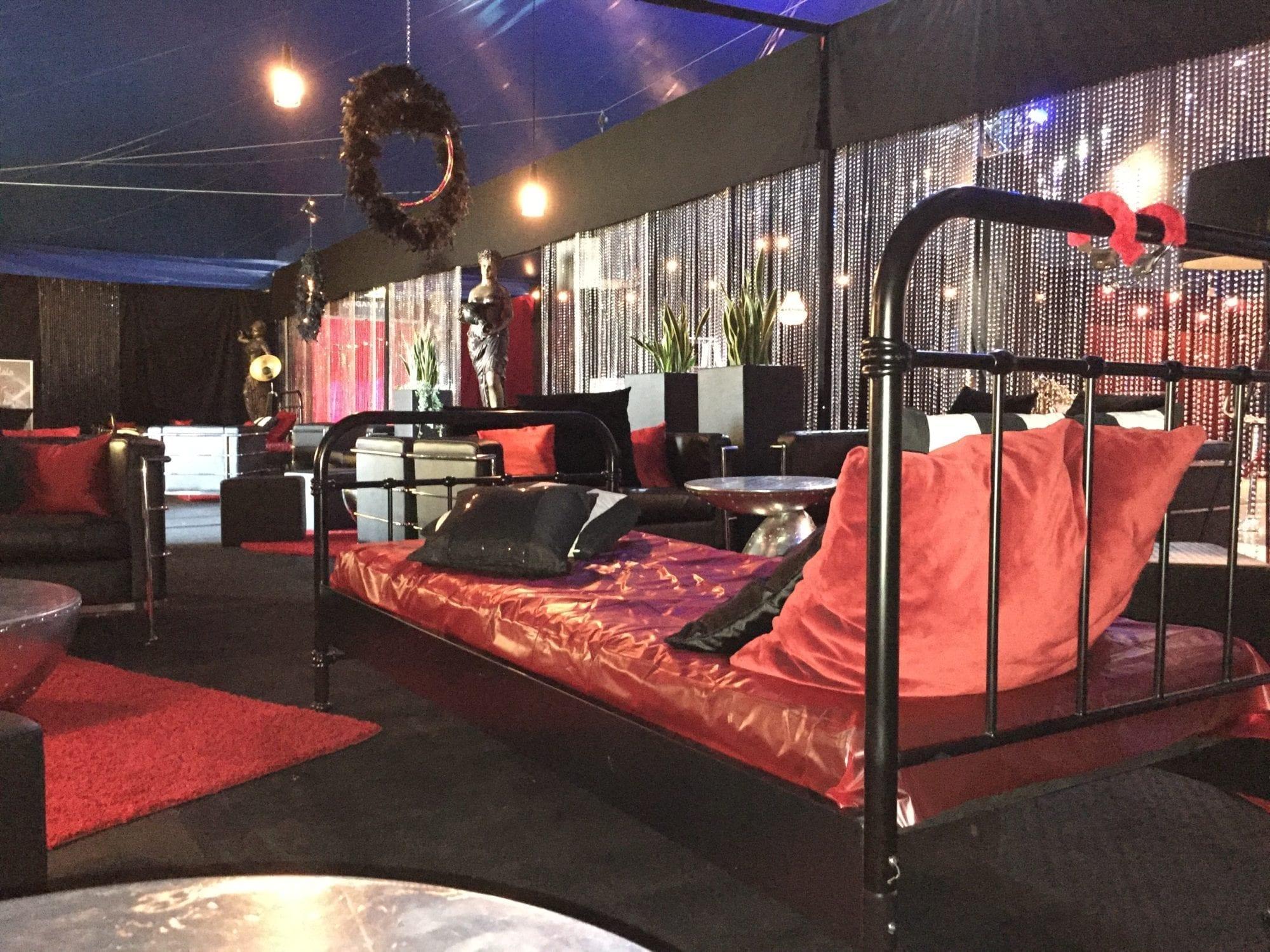 metallbett schwarz mieten rent-a-lounge 4