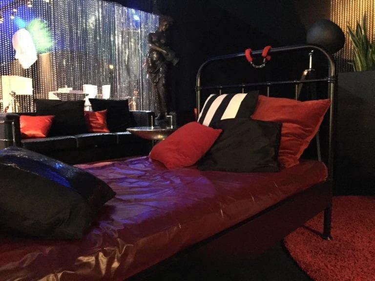 metallbett schwarz mieten rent-a-lounge 7