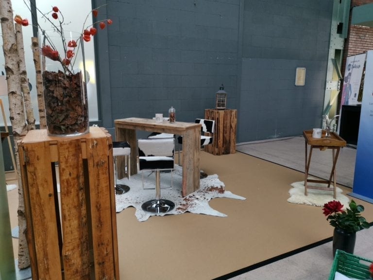 stehkube holzplanken natur mieten rent-a-lounge 8