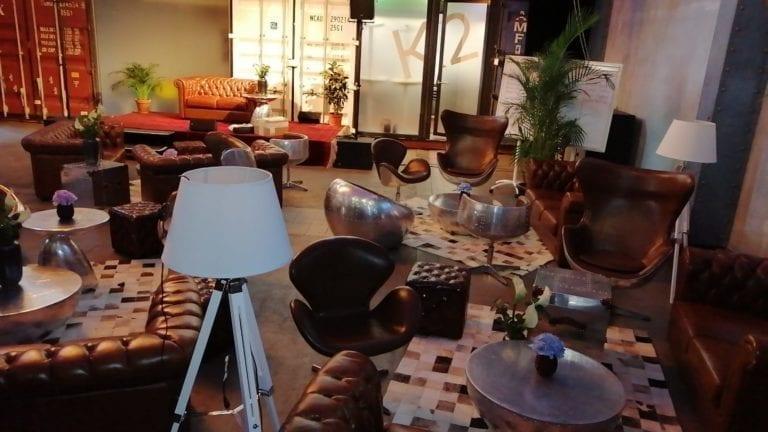 chesterfield english hocker mieten rent-a-lounge 1