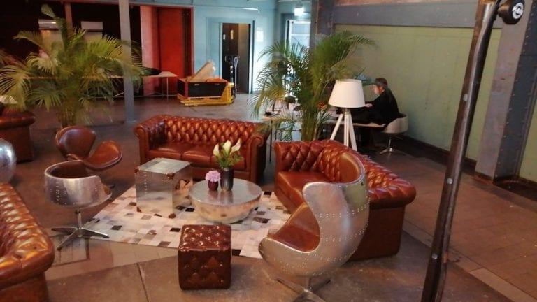 chesterfield english hocker mieten rent-a-lounge 2
