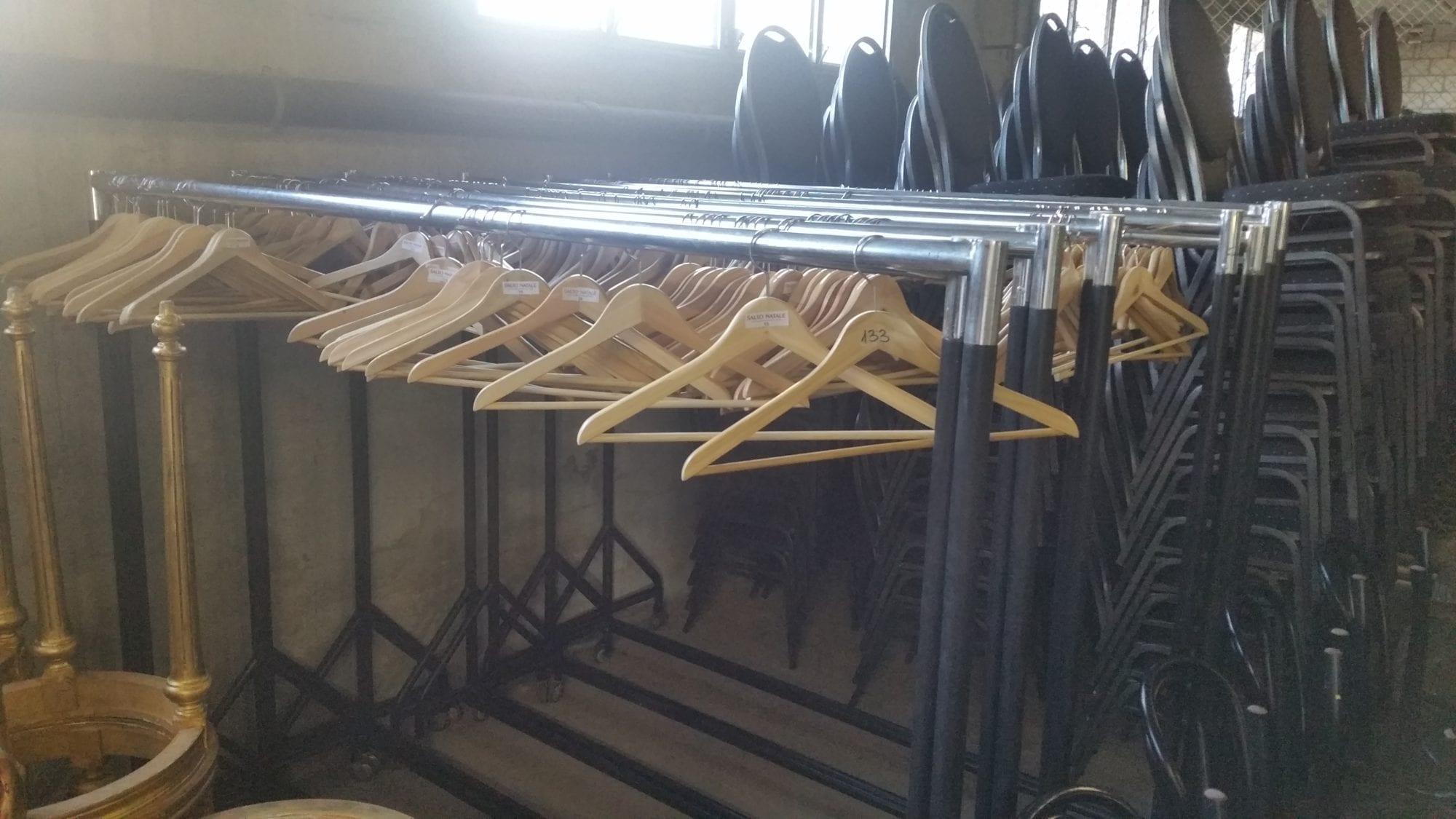 kleiderbügelbox mieten rent-a-lounge 1
