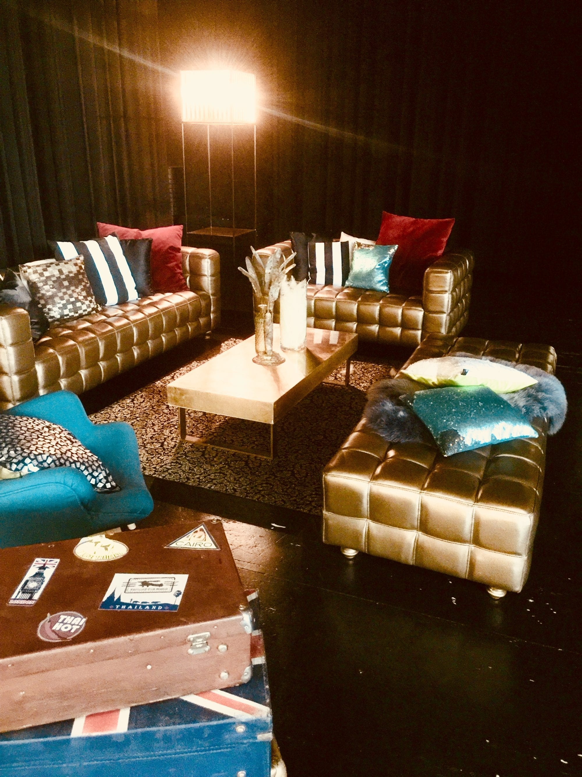 stehleuchte gold mieten rent-a-lounge 3