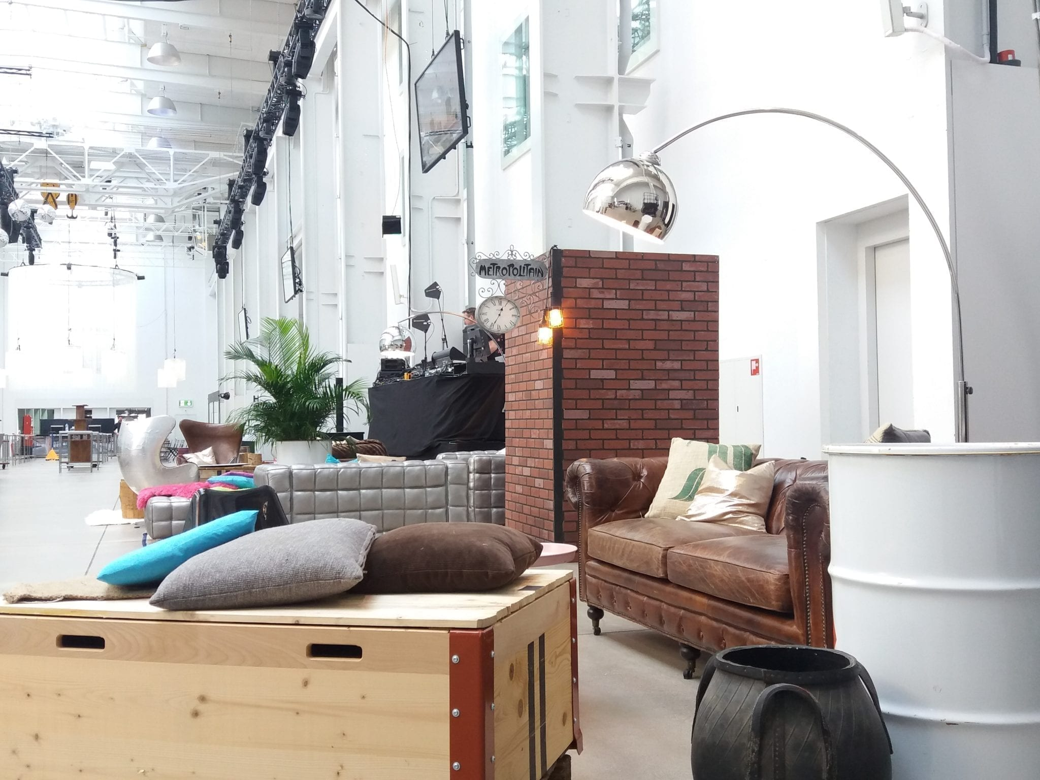 Industrial mieten rent-a-lounge 8