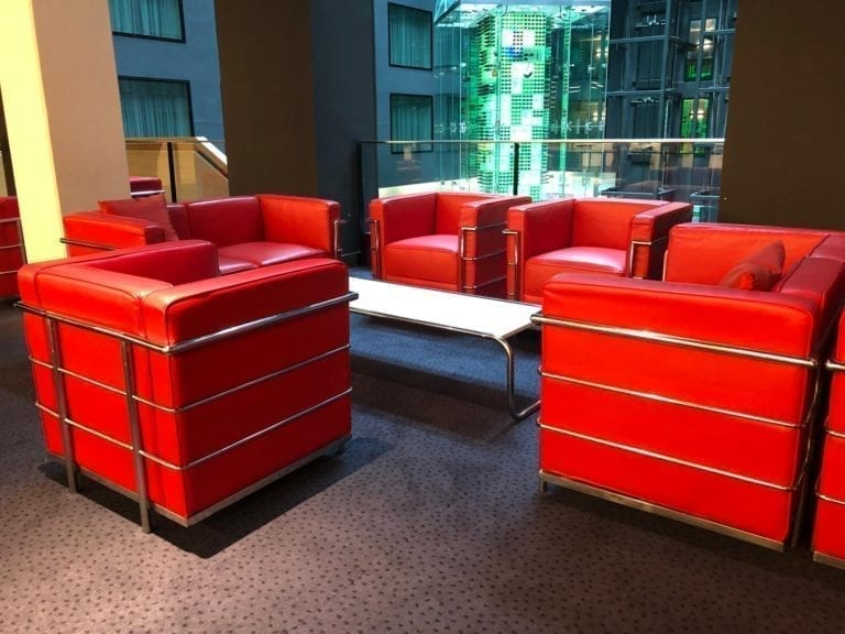 red 3er sofa mieten rent-a-lounge 3